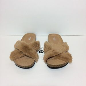 aebc9423de1755 Mossimo Supply Co. Shoes - Mossimo Bella Faux Fur Footbed Slide Sandals 9.5